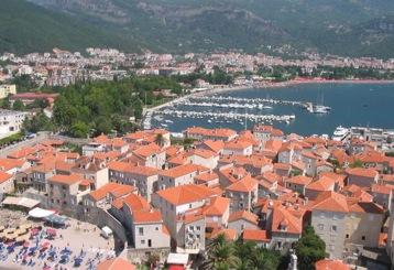 budva montenegro, tourist trap, tourist crowds